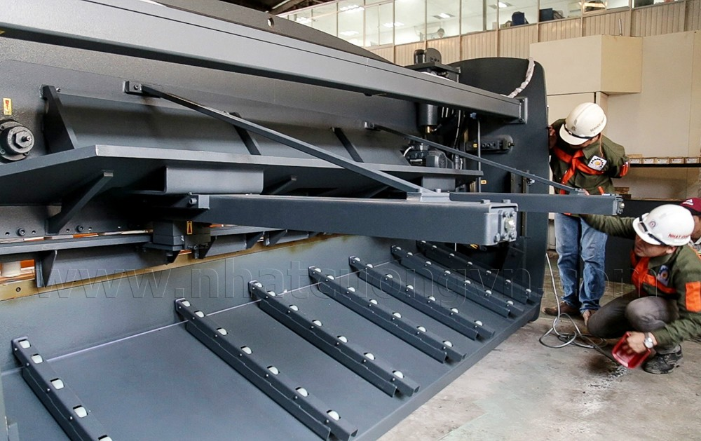 haco_hsl_hydraulic_guillotine_shears_3006_12_2.jpg