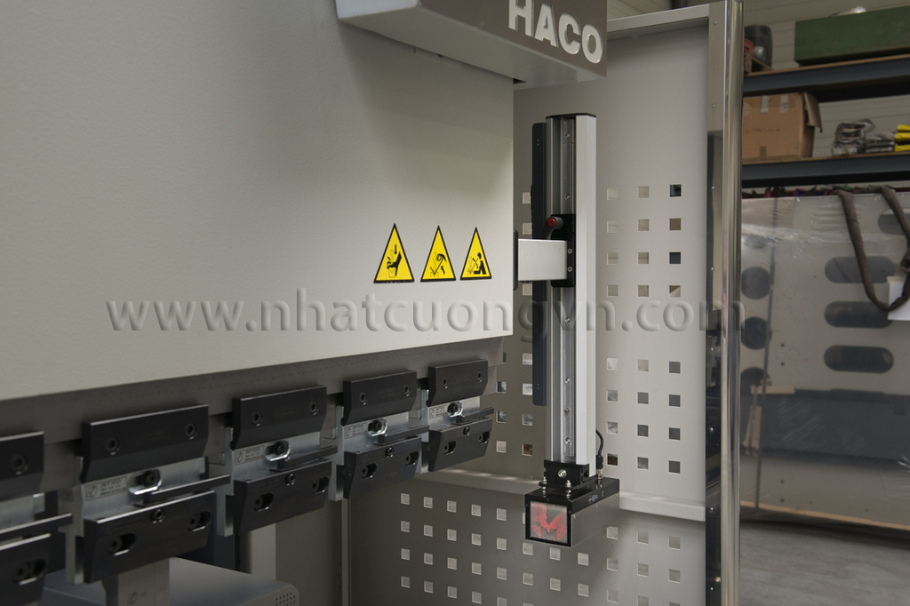 HACO_Hydraulic_Press_Breake_Pressmaster_6